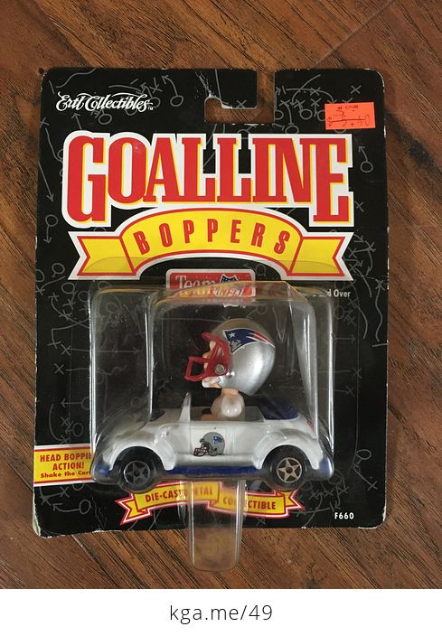 1996 Ertl Nfl New England Patriots Goalline Boppers Toy Car - #kJnJyzh1Y8Q-1