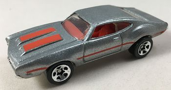 Hot Wheels 1993 Oldsmobile Red on Metallic Silver #3CBPFwnbkGw